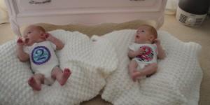 ikiz-çoğul-bebek-ikizanneleri-iki-aylık-ikizler-660x330